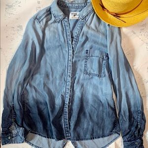 Holding Horses Ombré Chambray Top